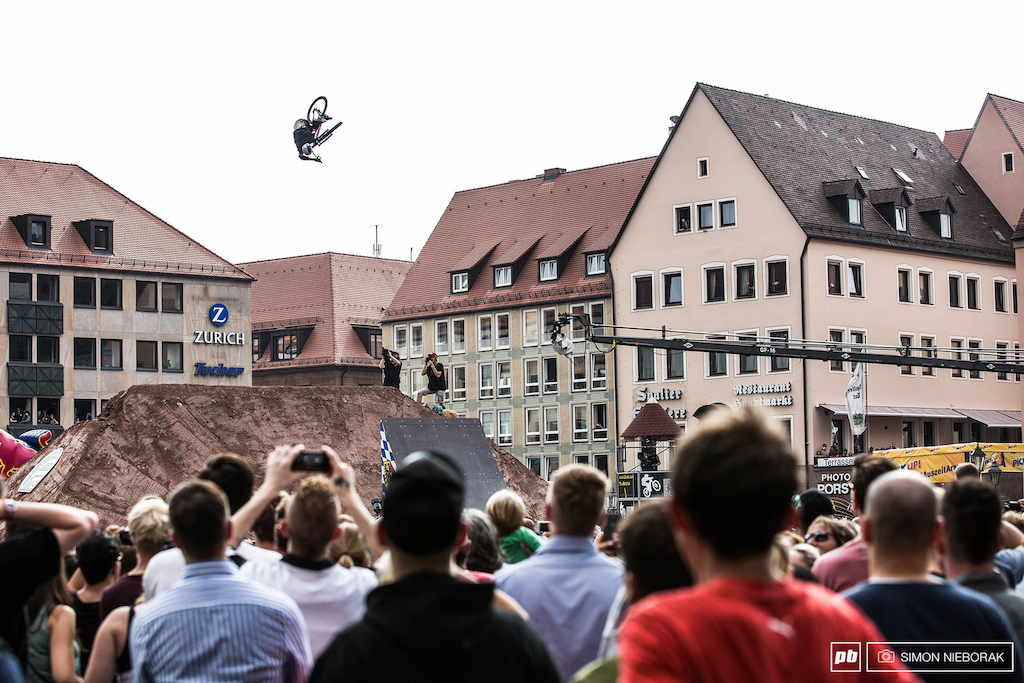 Thomas Genon clicked one of the best looking 360 tables during the finals.