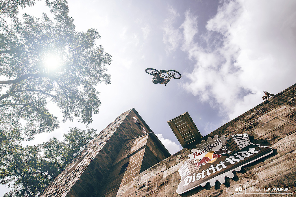 Another angle of the one of the most difficult combos from the castle drop district by Szymon Godziek.