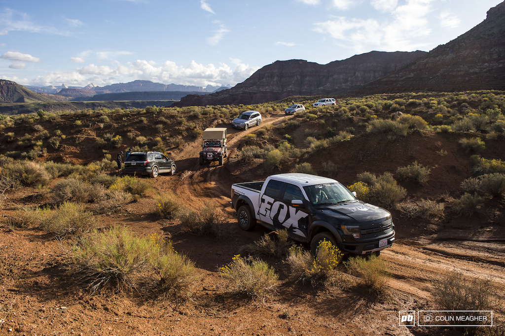 The venue opened at 9am sharp and athlete support vehicles and athletes were soon tearing ass up the road to assess damage on the hill repair and re-pack landings and get qualifications in the bag.