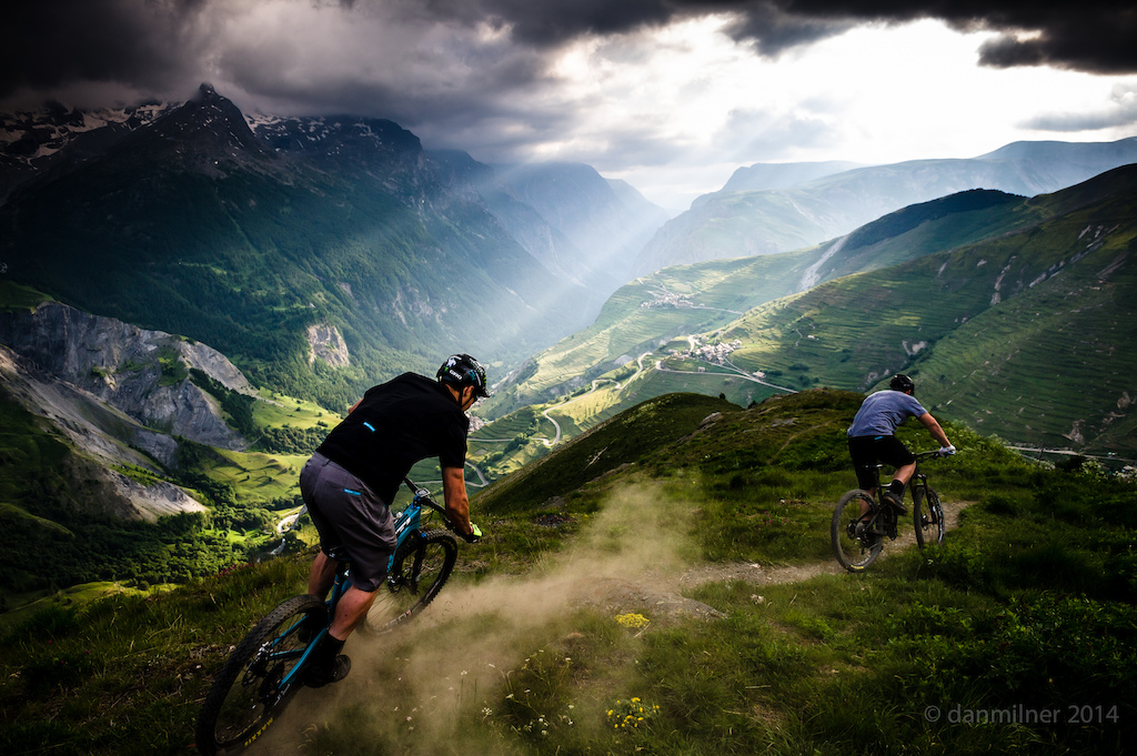 A late ride session above La Grave in between stormy interludes in June 2014. The guys on the new SB5 getting them dialed 2 weeks before the bike was officially launched and a month before Richie won EWS stages in Colorado on the same bike.