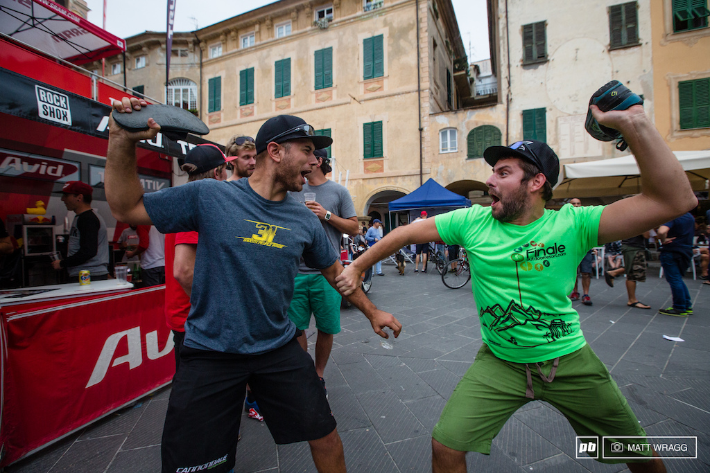 Cannondale mechanic Matteo Nati gets problems solved Italian style.