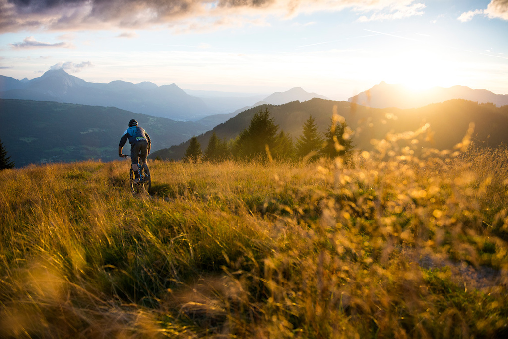One of the most incredible sunsets i have seen during a fun riding session near Morzine.
