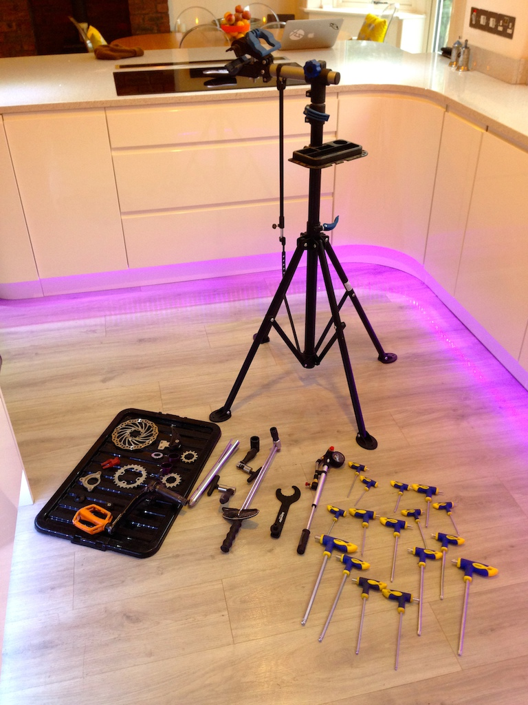 0 Bike repair stand with full set of repair tools, shock pump,