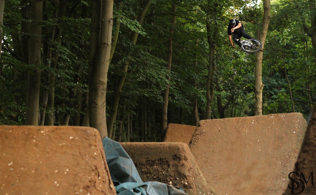 Ren flowing through Jimmy's while filming for the pure darkness roadtrip edit