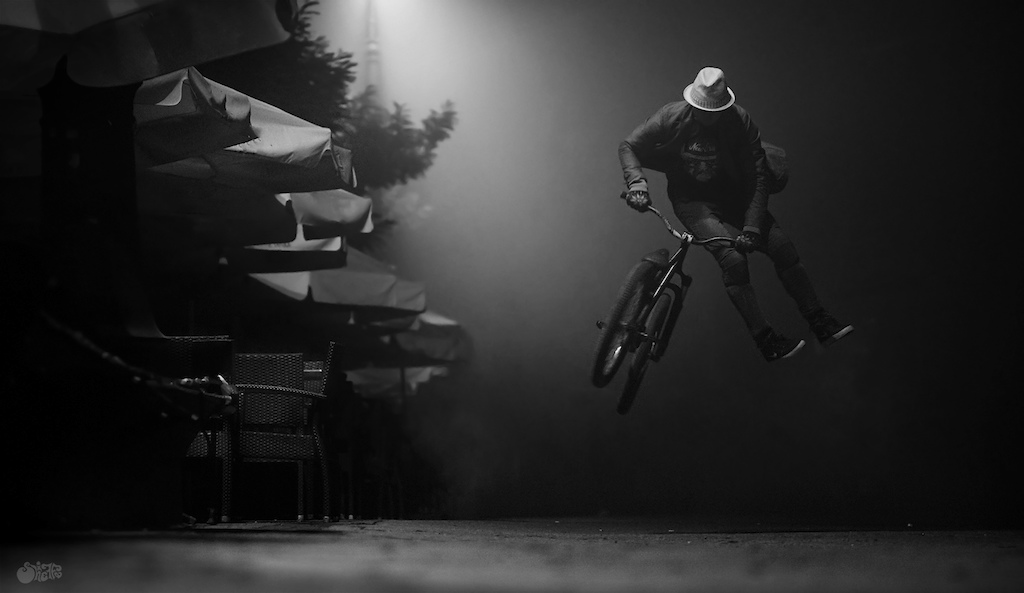 Noir streets of Krakow night session. See more at www.sheiffa.cf