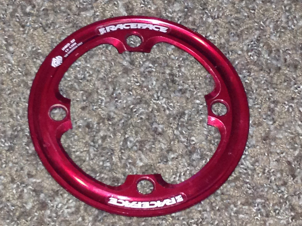 0 Raceface Bashguard 32t Red