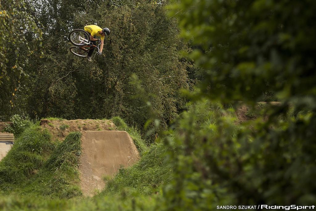 360º table. Sandro Szukat / Ridingspirit.com