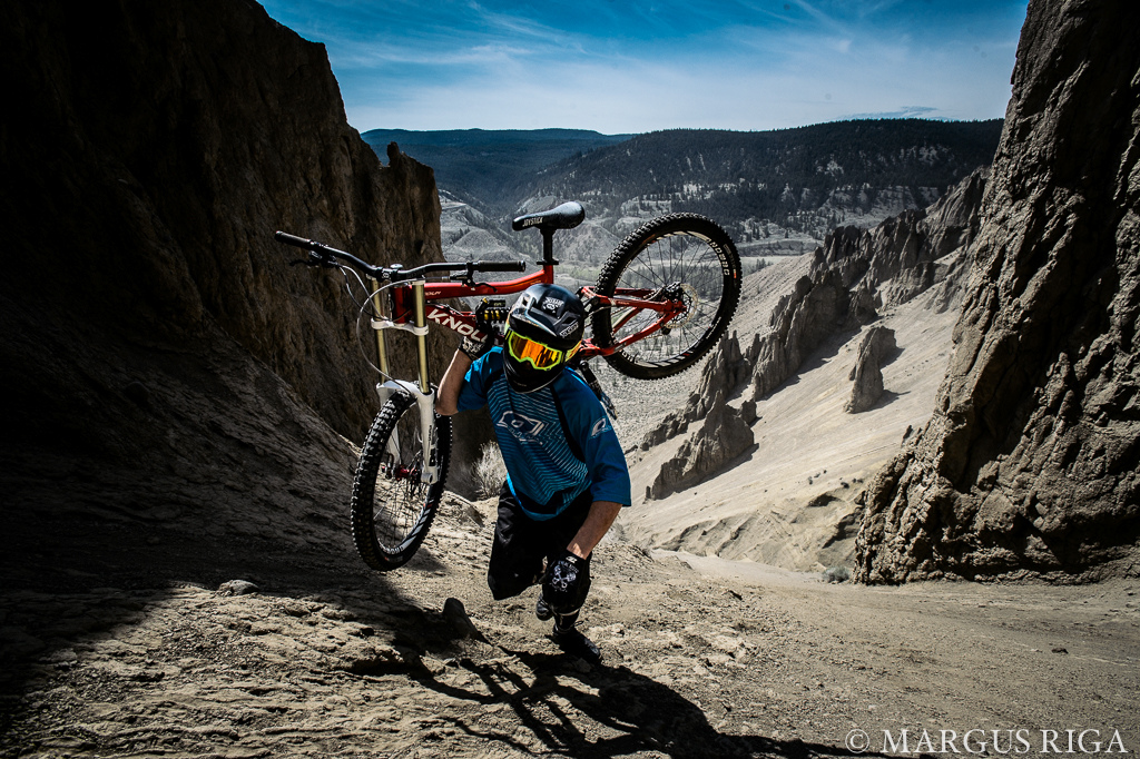 James Doerfling Sign's two year contract extension with Knolly Bikes