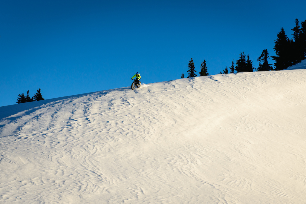 Tippie carving up a ridge on his Blizzard. Photo by Brian Park.