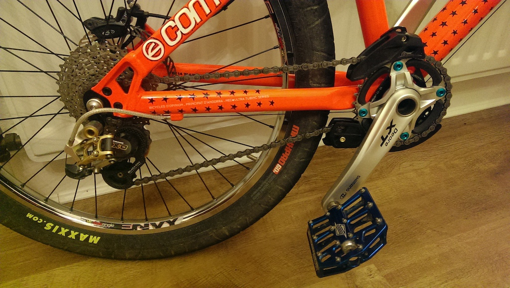 0 COMMENCAL ABSOLUT 4X + VERY HIGH SPEC BUILD