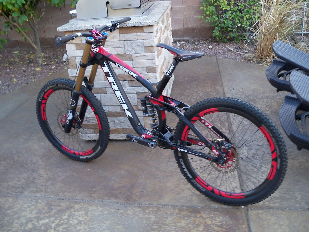 2012 Trek session 9.9 (31 lbs.)