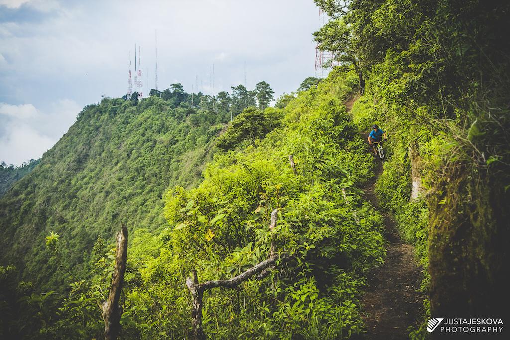 Vaya Bien - El Salvador
