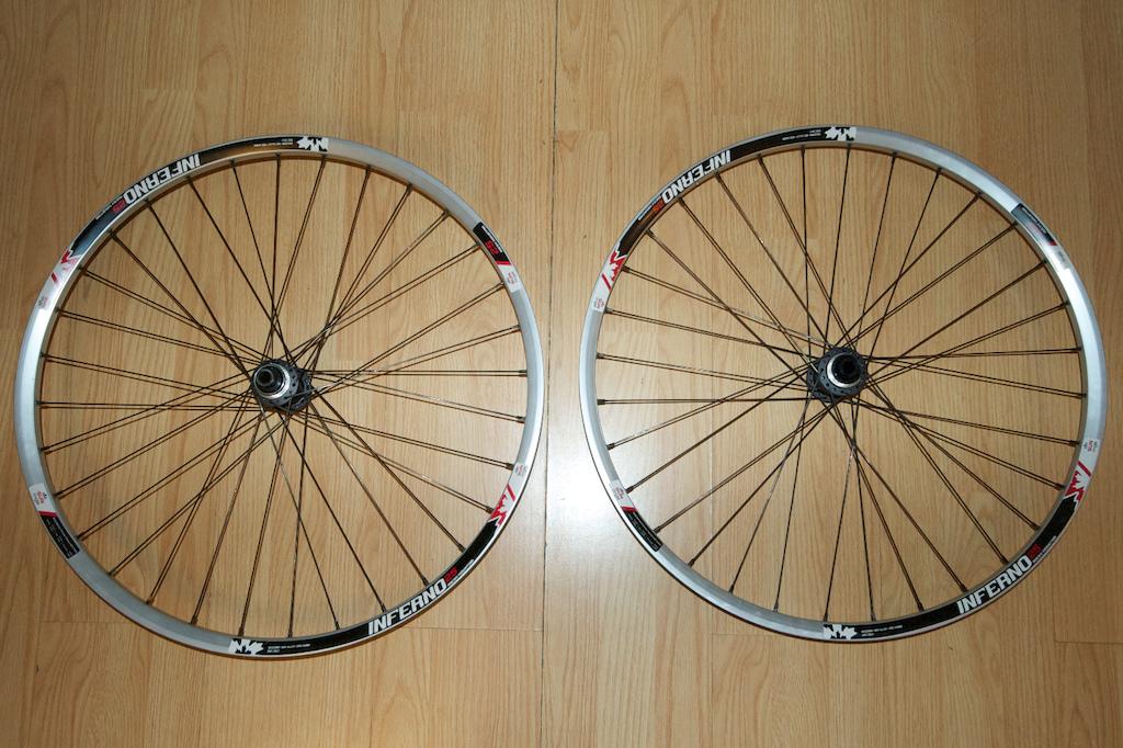 2014 Sun Ringle Inferno 25 650B 27.5 wheels on SLX hubs