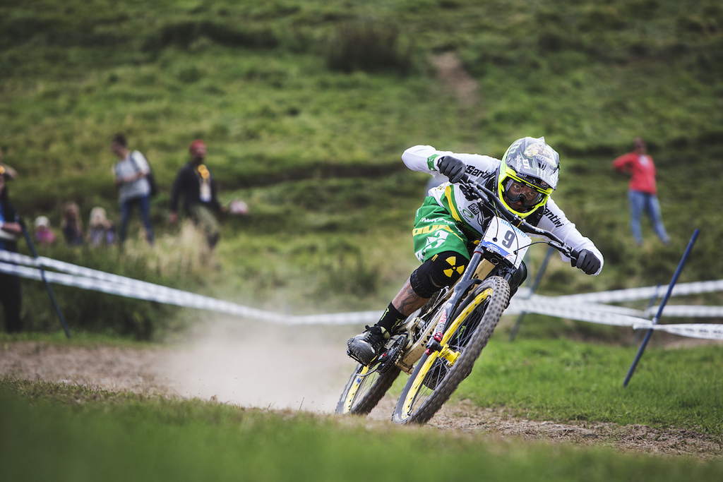 Sam Hill bombing the track with by far the best split time. Unfortunately eating shit in the rock garden only seconds later.