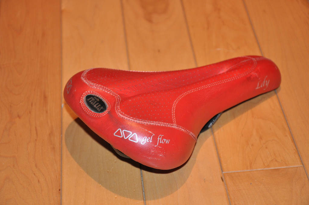 0 Selle Italia  Gel Flow Ldy Leather Saddle