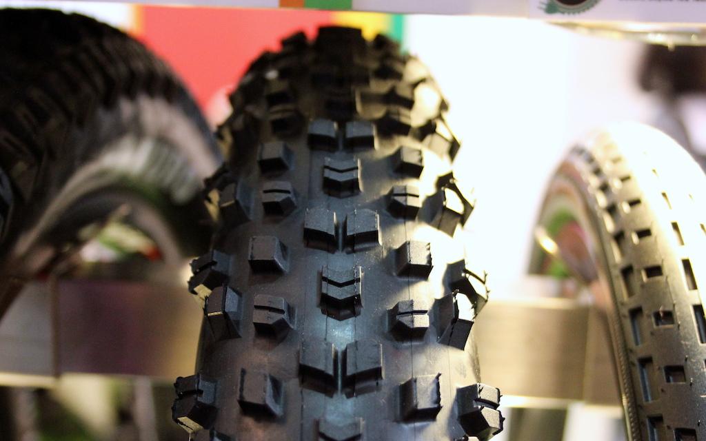 Mid-fat tire fury - Duro