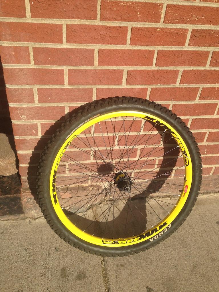 0 Mavic DeeMax rear DH wheel & tire disc 26
