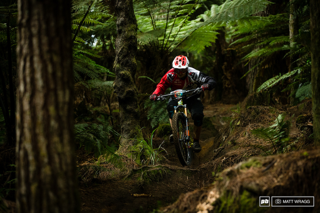 Jesse Melamed has been all business all week, not more sketchy hucking for the cameras, it seems. Over the winter he has been putting in the work on his fitness and he narrowly missed out on a top 20 today.