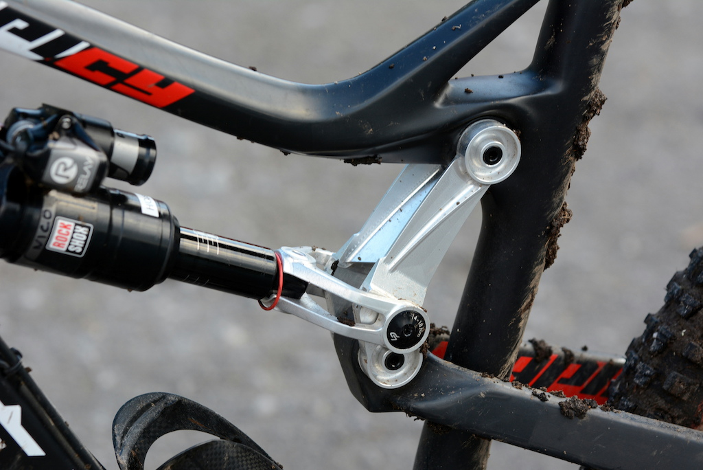 EWS Pro Rides 1 - Nico s custom 164mm travel linkage