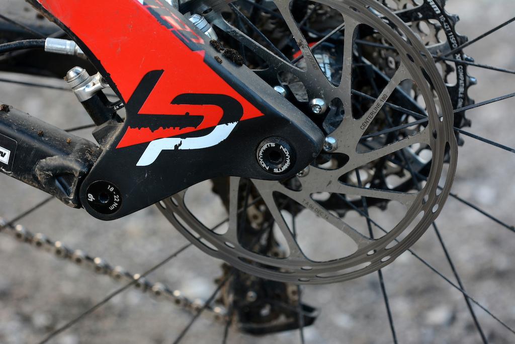 EWS Pro Rides 1 - NOVPARTS axle