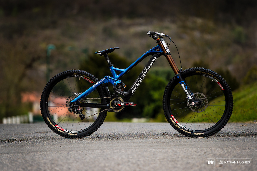 Danny Hart s Marzocchi and Sram-equipped carbon Mondraker Summum... Certainly a sight for sore eyes.