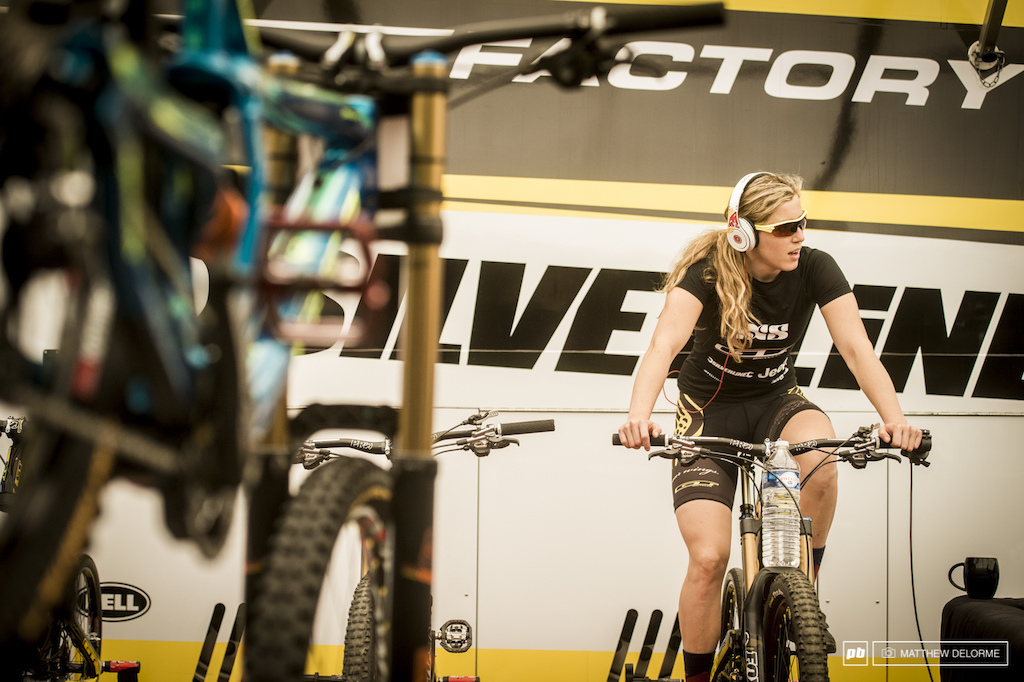 Rachel Atherton knew what she needed to win today. In the end, Emmeline Ragot would best her by 2.06 seconds.