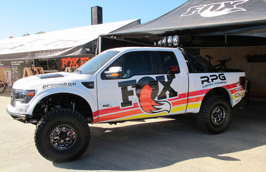 While Mike Levy is bringing you all the fresh MTB goods from Fox Racing Shox, I just want to remind everyone that Fox also makes some of the best offroad truck dampers in the world. This project truck with RPG Offroad was looking ready for shuttle action.