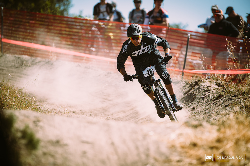 No matter what people say about Enduro, it's still the only MTB race event where non-pro's can race against their idols. Craig Harvey 14th on the day.
