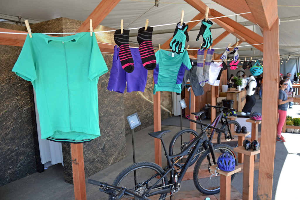 Specialized has some fresh new colors for Spring 2015.
