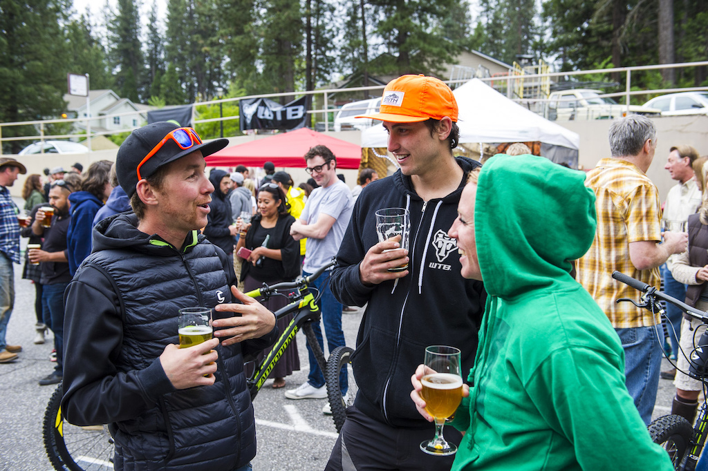 Jerome and Marco Osborne mixing it up with Mallory Burda at the pre race party.