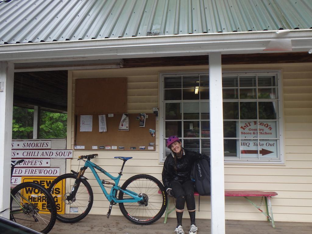 Pics 12 Rainy day road cruising in Maple Ridge stops at local corner stores