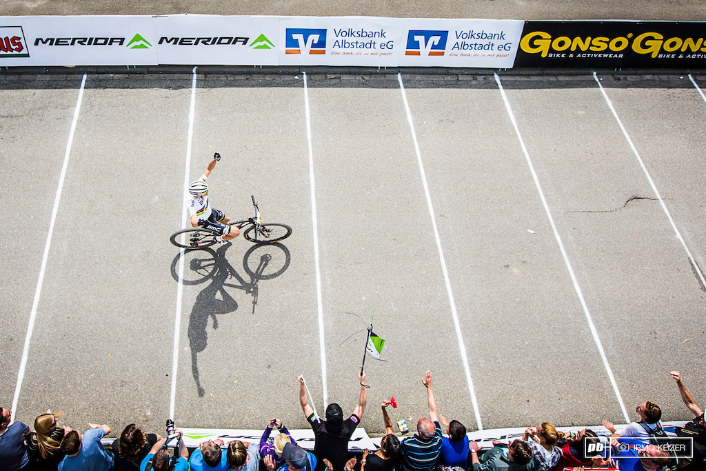 Eight seconds ahead of Nino Schurter, Absalon takes another win in Albstadt.