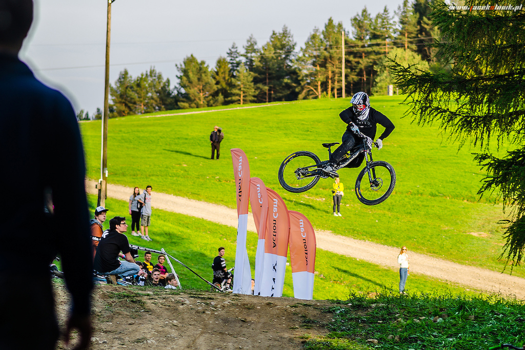 Whippin hard  Photo: Jacek Slonik Kaczmarczyk