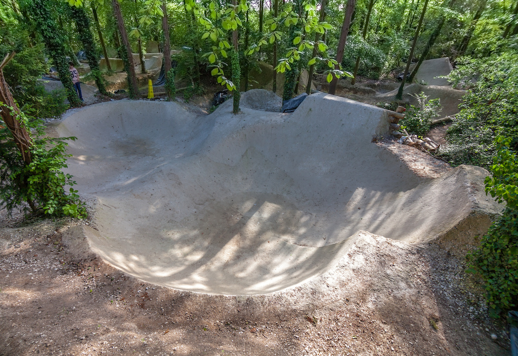 Scoping for a forthcoming shoot. It may look like Hugh Hefner's drained pool but infact its a crazy clay bowl at PSA trails, this place is f'kn mindblowing!