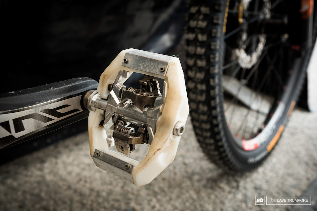 Dale's shimano pedals. Different plastics than what Neko has been running