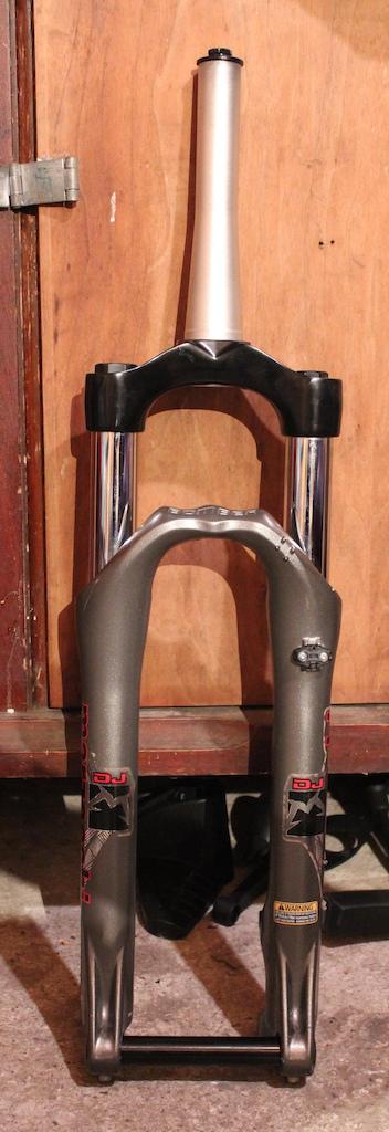 2012 -1643- Marzocchi DJ 100mm fork tapered steerer 1.5 1 1/8