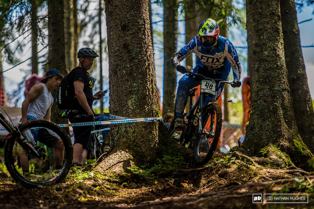 Guillaume Cauvin romping through the trees. Team aare on the rise.