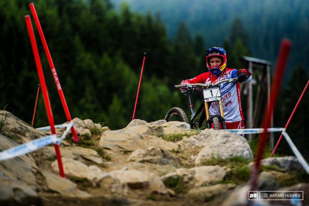 He simply stares and the rocks part. Is Aaron Gwin a wizard 3 minutes and 35 seconds top to bottom for the number 1.