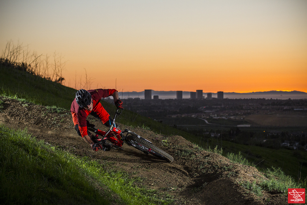 Some riding spots just need a little love to be brought back to life. After a few sessions of weed cleanup this trail was ready to go...  www.danseversonphoto.com @danseversonphoto