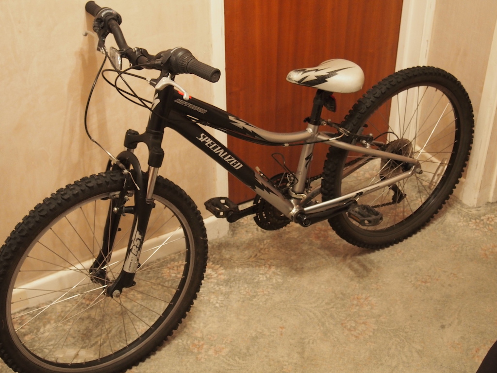 0 2007 Specialized Hotrock 24