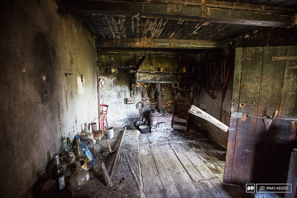 This abandoned house can be found in between the first and the second special of day four. Its remains largely untouched for many years showcasing the remoteness of the area.