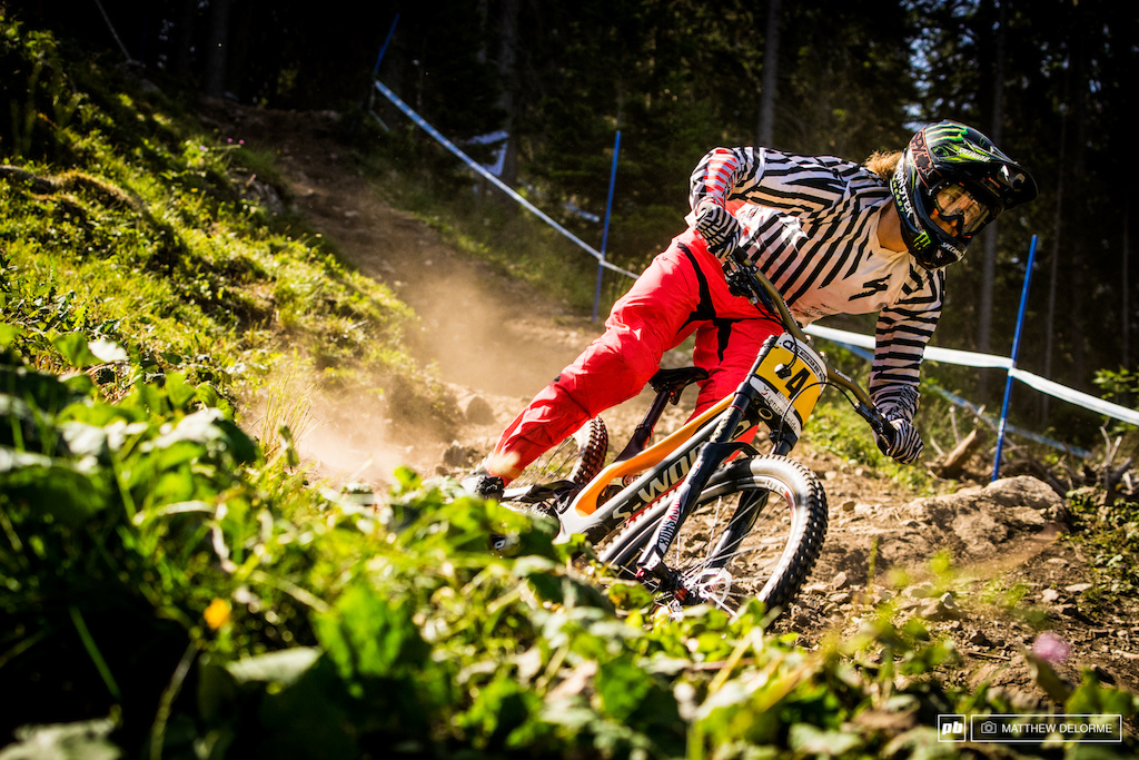 Troy Brosnan was seemingly unaffected by the dust here in Lenzerheide. He let his bike skip and dance all the way to a fourth place finish.