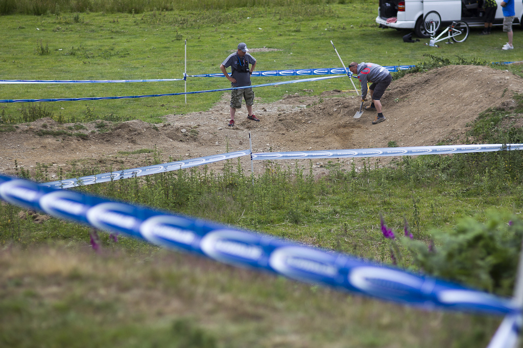 BDS organiser Si Paton got the shovel out and made some last minute improvements to the course during The Schwalbe British 4X National Championship at Moelfre Hall Moelfre United Kingdom. 10July 2015 Photo Charles Robertson