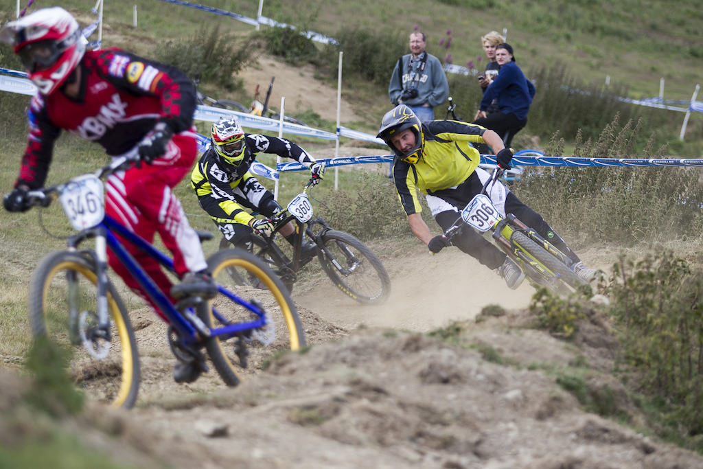 Freeride legend Chris Smith is on the hunt during The Schwalbe British 4X National Championship at Moelfre Hall, Moelfre, United Kingdom. 11July,2015 Photo: Charles Robertson