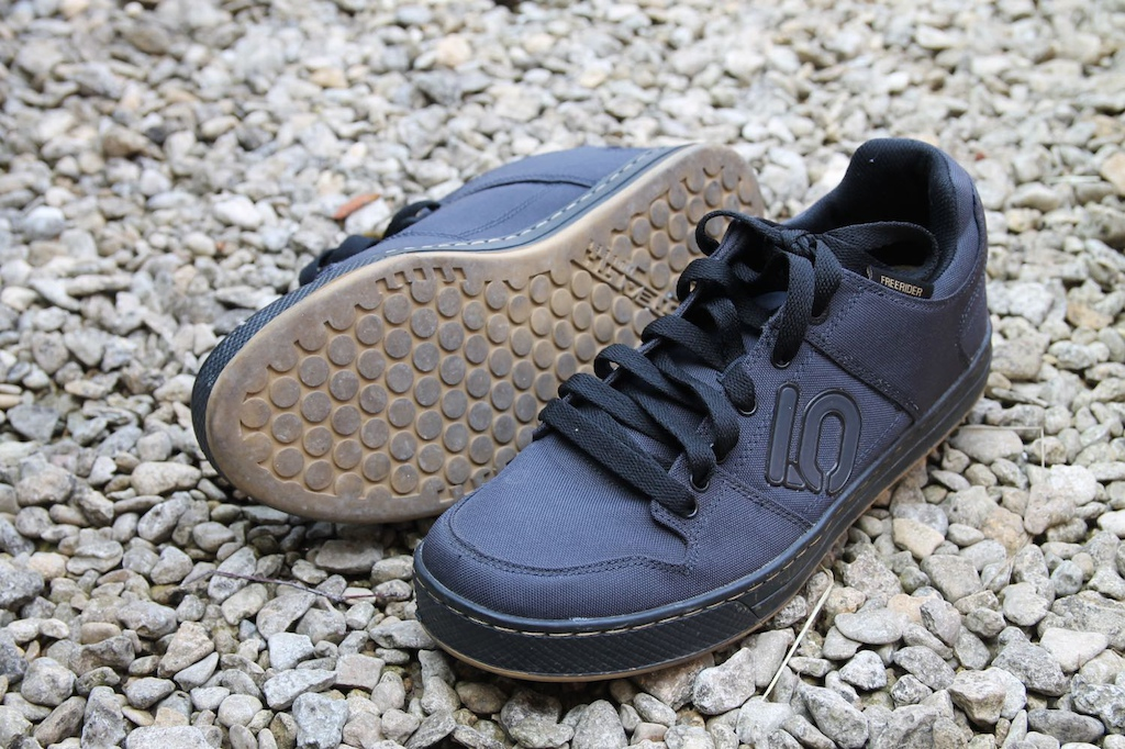 f2b0d46df90a38 Five Ten Freerider Canvas Shoes - Review - Pinkbike