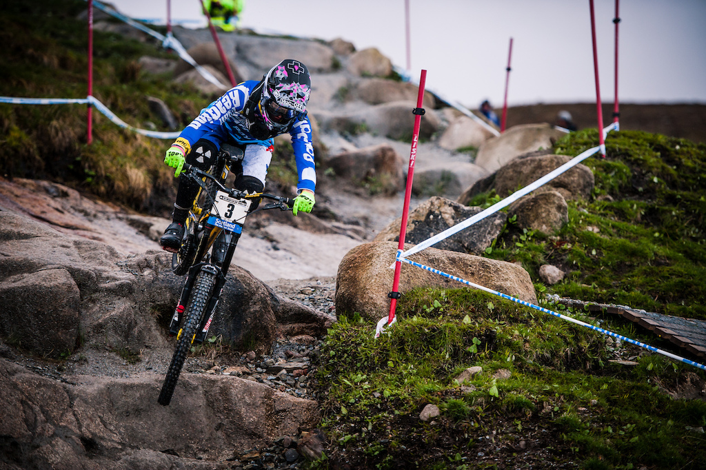 Jones rides the classic boulder section of the legendary Fort William race track.