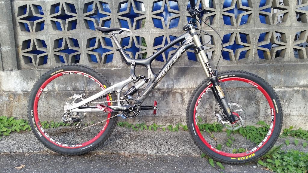 2012 SantaCruz V10 Carbon 36lbs
