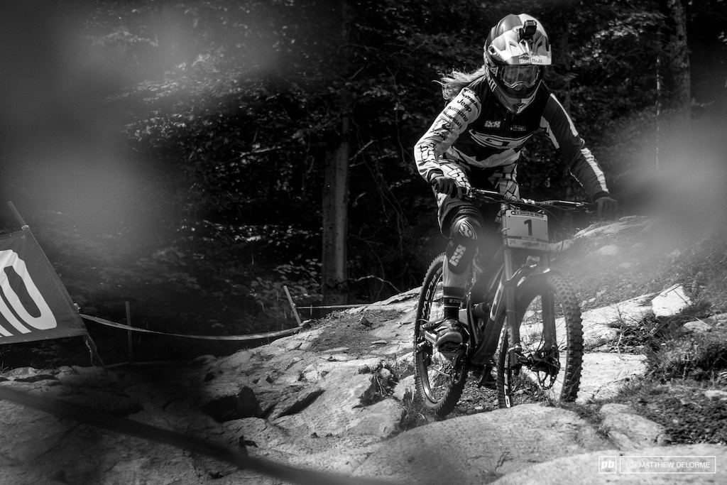 Rachel Atherton keeping the momentum going. First place for the women by nearly five seconds.