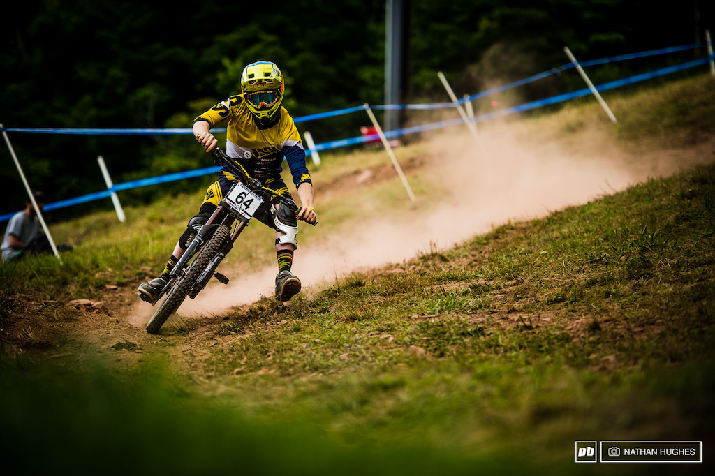 Swiss Syndicate charger Noel Niederberger foot out flat out on an unfamiliar bike for the North American rounds.