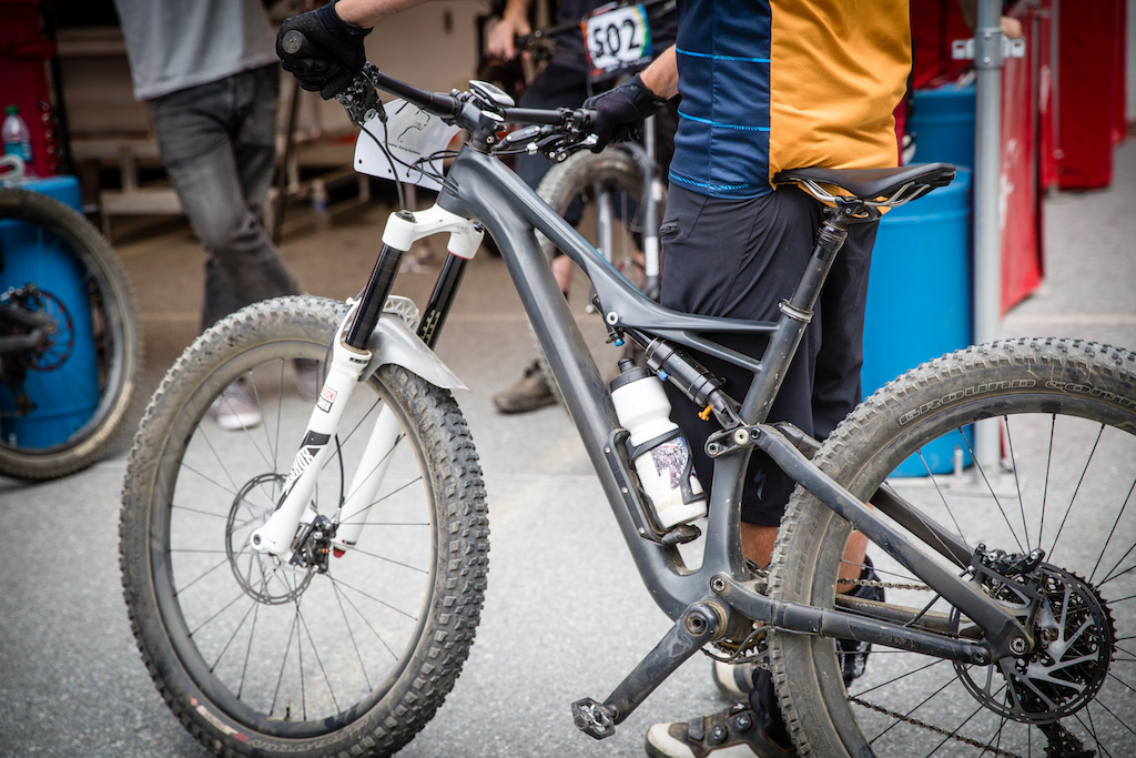 101dabacc52 We've already seen a new long-stroke air shock from Öhlins show up  Specialized's Enduro platform (which has OE spec for 2016, by the way), and  it looks like ...